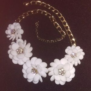 Jewelry - Flirty & fun snug choker necklace